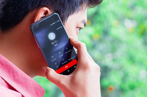6 bất ngờ về smartphone không viền màn hình mà ARBUTUS ra mắt - 5