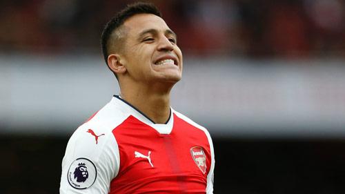 Chuyển nhượng Arsenal: Sanchez dọa sang Chelsea - 1