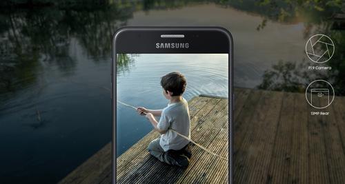 Rinh Galaxy J5 Prime chơi Noel với bộ quà khủng 5 món - 4
