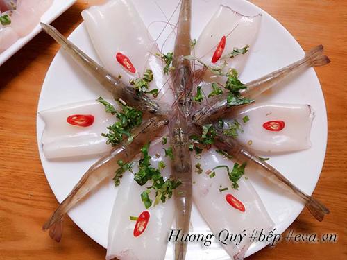 Xì xụp lẩu hải sản nóng hổi, thơm nức - 3