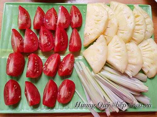 Xì xụp lẩu hải sản nóng hổi, thơm nức - 6
