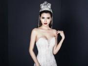 """Thời trang - """"Nữ hoàng sắc đẹp"""" hững hờ khoe dáng với đầm xuyên thấu"""