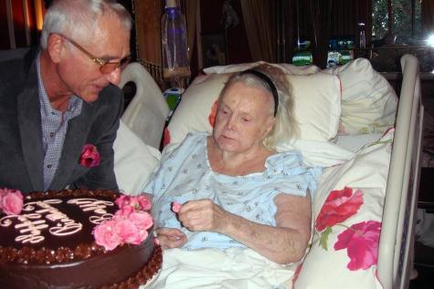 Biểu tượng sắc đẹp 9 đời chồng đã qua đời ở tuổi 99 - 1