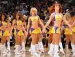 """NBA: Hot-girl cổ vũ bốc lửa, """"đốt mắt"""" người xem"""