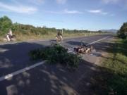 Lái xe tải tông chết 2 người rồi bỏ trốn