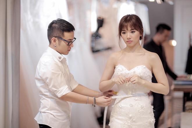 Tiết lộ về 2 chiếc váy cưới bí mật của Hari Won - 2