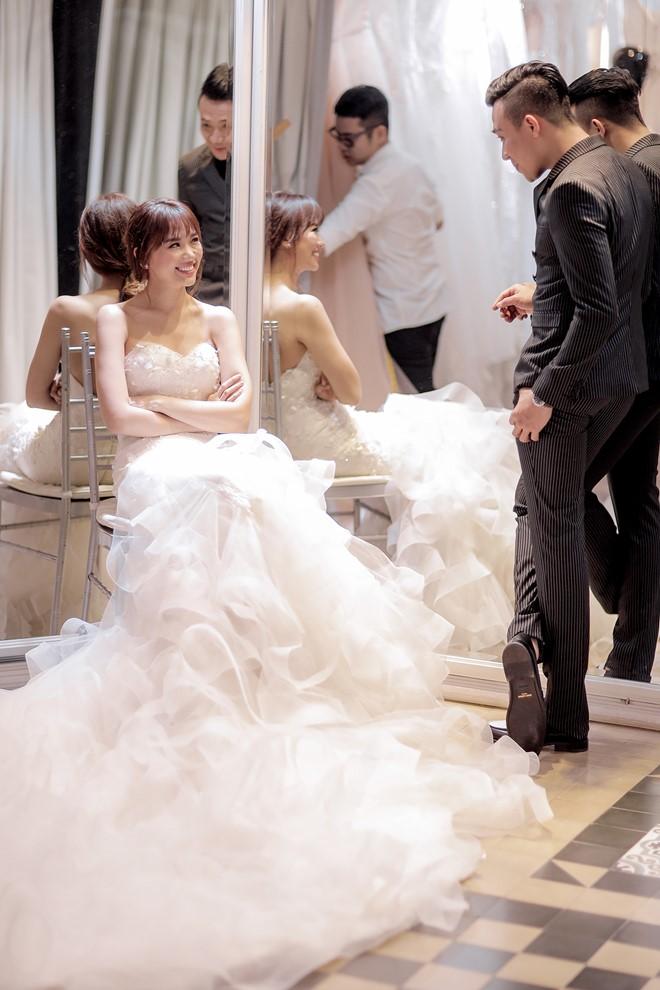 Tiết lộ về 2 chiếc váy cưới bí mật của Hari Won - 3