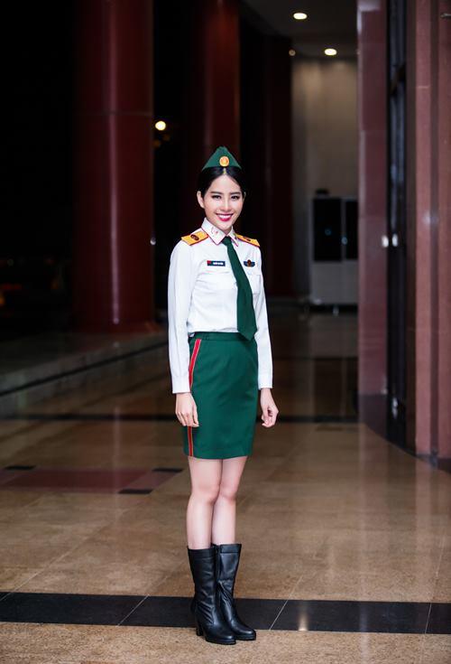 Nghe giọng ca giúp Nam Em đoạt giải tại Miss Earth - 1