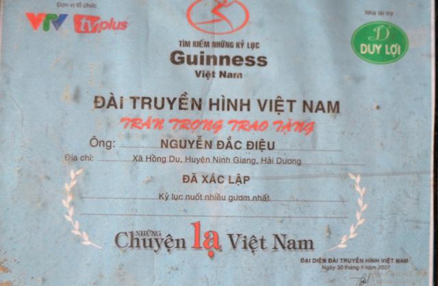 Dị nhân nuốt nhiều thanh kiếm nhất Việt Nam giờ ra sao? - 7