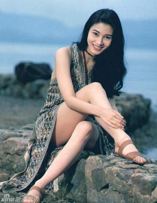 """Hoa hậu đẹp nhất Hong Kong """"sướng như tiên"""" - 2"""