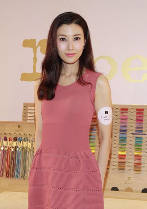 """Hoa hậu đẹp nhất Hong Kong """"sướng như tiên"""" - 11"""