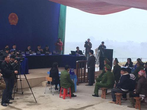 Kẻ sát hại 4 người ở Lào Cai lĩnh án - 1