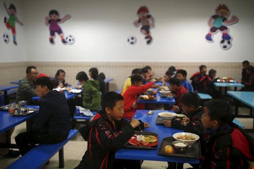 """Hão huyền bóng đá Trung Quốc mơ bá chủ """"3 trong 1"""" - 3"""
