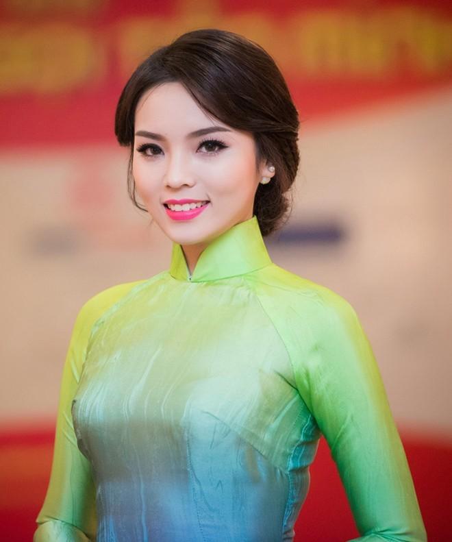 """Hoa hậu Kỳ Duyên """"ăn điểm"""" tuyệt đối với 9 kiểu tóc này - 5"""