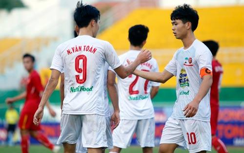 Văn Toàn: Bàn thắng vàng và trải nghiệm khó quên ở giải U21 - 8