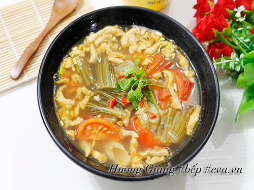 Canh dưa chua nấu tóp mỡ đơn giản mà ngon cơm - 7