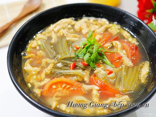 Canh dưa chua nấu tóp mỡ đơn giản mà ngon cơm - 6
