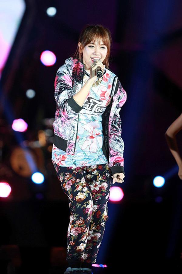 Hari Won có lẽ muốn quên kiểu mặc này - 5