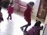 Giáo dục - du học - Giáo viên đánh đập học sinh mẫu giáo vì không thuộc bài