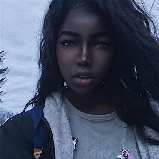 Nhan sắc đẹp lạ của cô gái có làn da đen ấn tượng - 4