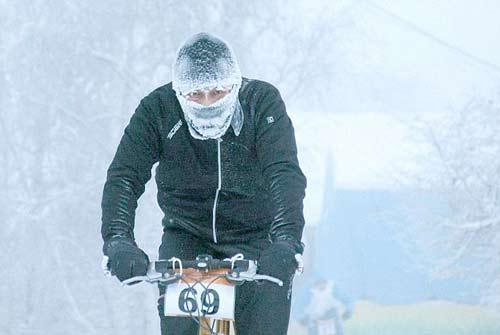 Liều lĩnh & điên rồ: Đua xe đạp ở -40 độ C - 4