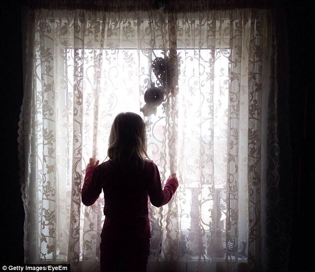 Cô gái Anh bị tài xế người Á bắt làm nô lệ tình dục 13 năm - 1