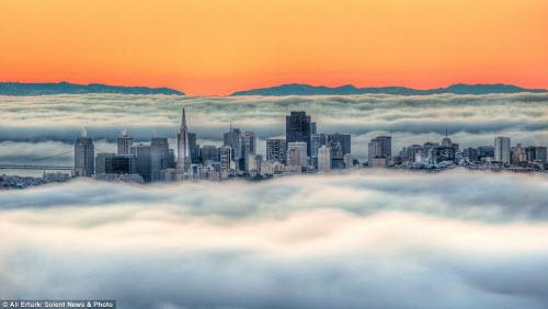 Những thành phố mù sương đẹp ma mị trên thế giới - 1