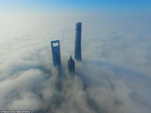 Những thành phố mù sương đẹp ma mị trên thế giới - 3