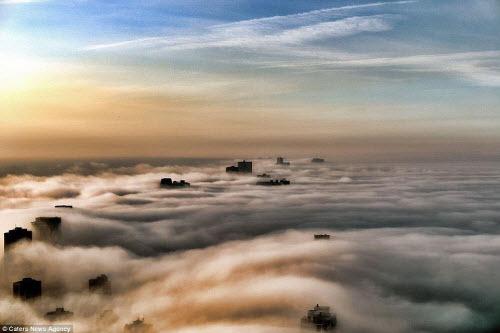 Những thành phố mù sương đẹp ma mị trên thế giới - 6