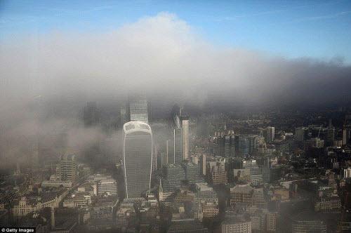 Những thành phố mù sương đẹp ma mị trên thế giới - 7