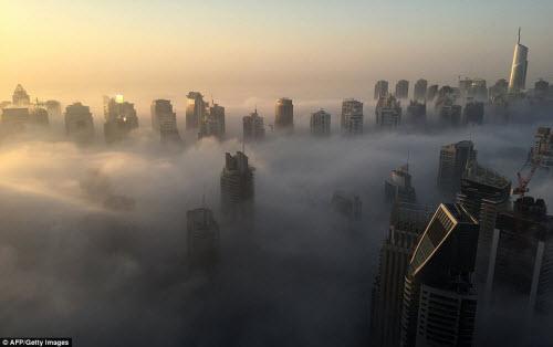 Những thành phố mù sương đẹp ma mị trên thế giới - 8