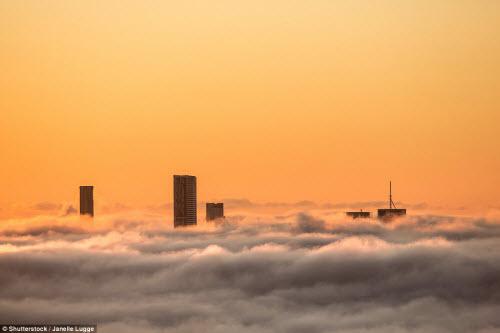 Những thành phố mù sương đẹp ma mị trên thế giới - 10