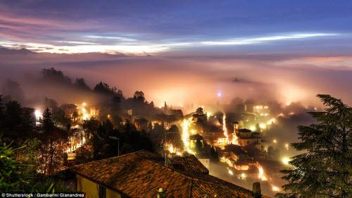 Những thành phố mù sương đẹp ma mị trên thế giới - 11