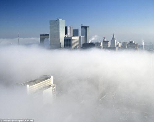Những thành phố mù sương đẹp ma mị trên thế giới - 13