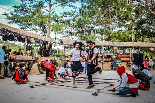 Trải nghiệm lễ hội văn hóa các dân tộc Tây Nguyên tại Đà Lạt - 3