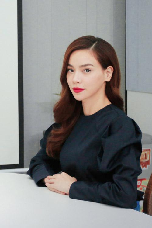 Hà Hồ đóng phim hài Tết cùng vợ Trấn Thành - 1