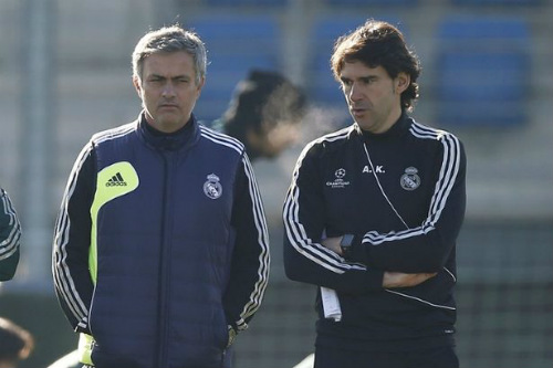 Mourinho không mơ vô địch, lo MU gặp họa vì... Ibra - 2