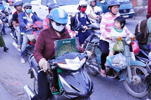 Người dân đổ về quê ăn Tết, Sài Gòn bất ngờ không kẹt xe - 6