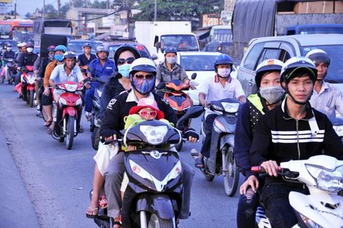 Người dân đổ về quê ăn Tết, Sài Gòn bất ngờ không kẹt xe - 8