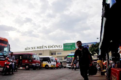 Người dân đổ về quê ăn Tết, Sài Gòn bất ngờ không kẹt xe - 14