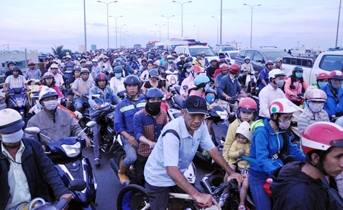 Người dân đổ về quê ăn Tết, Sài Gòn bất ngờ không kẹt xe - 16
