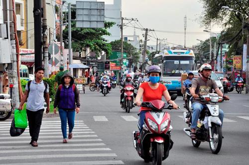 Người dân đổ về quê ăn Tết, Sài Gòn bất ngờ không kẹt xe - 13