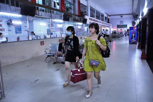 Người dân đổ về quê ăn Tết, Sài Gòn bất ngờ không kẹt xe - 12