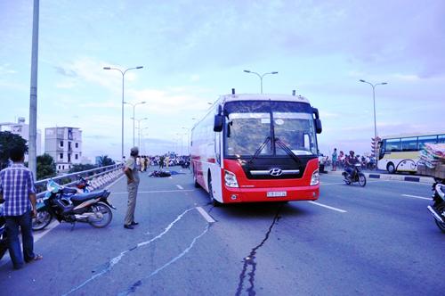 Người dân đổ về quê ăn Tết, Sài Gòn bất ngờ không kẹt xe - 15