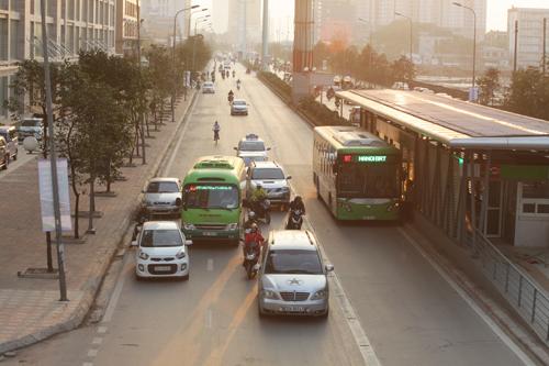 Toàn cảnh ma trận giao thông nơi xe buýt nhanh đi qua - 2