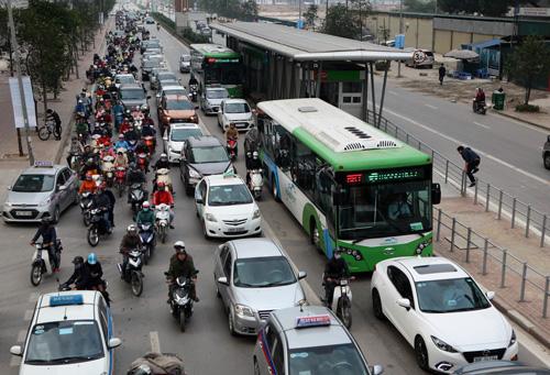 Toàn cảnh ma trận giao thông nơi xe buýt nhanh đi qua - 8