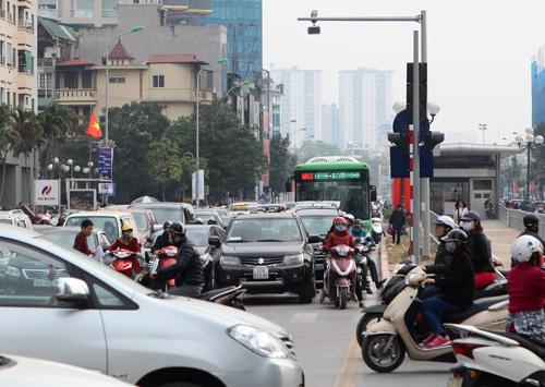 Toàn cảnh ma trận giao thông nơi xe buýt nhanh đi qua - 7
