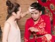 Hồ Quang Hiếu được bạn gái chăm sóc khi đi diễn