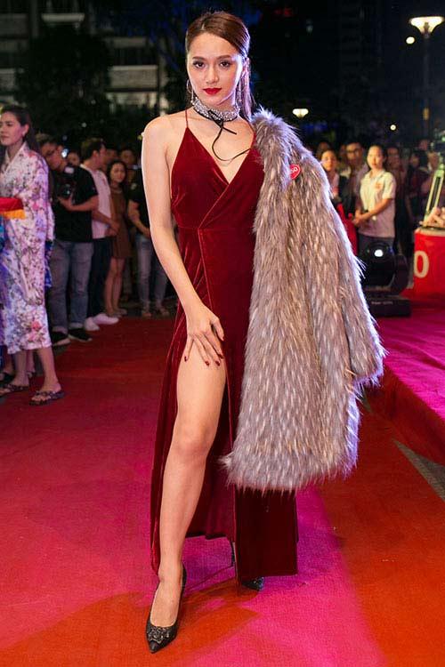 4 kiểu mặc táo bạo nhất năm qua của mỹ nữ Việt - 6