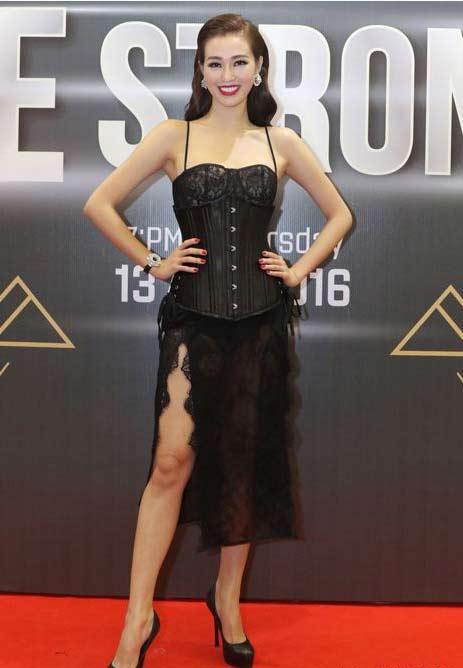 4 kiểu mặc táo bạo nhất năm qua của mỹ nữ Việt - 13